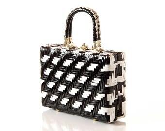 Vintage Basket Purse / 60s Black & White Basket Box Purse / 1960s Woven Vinyl Handbag