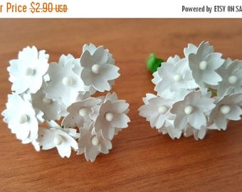 30% OFF White paper flowers / small white flowers / miniature white flowers / mini white flowers / paper flowers white  white flowers small