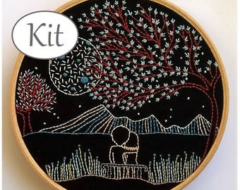 Modern Embroidery kit - Embroidery pattern - DIY kit - hand embroidery -  hoop art - loving moonlight- beginner embroidery - valentines day
