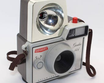 Gevaert Gevalux 144 127 Film Plastic Camera with Gevaflash and case – Very good condition & rare c.1965