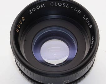 Hoya Zoom Close Up Lens for Macro (up to 10 diopter, 0.1m or 4 inches), 52mm screw fitting in case and with caps