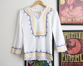 Vintage white embroidered cheesecloth cotton Hungarian floral 70s boho top penny lane blouse S