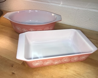 2 vintage pink daisy pyrex casserole dishes