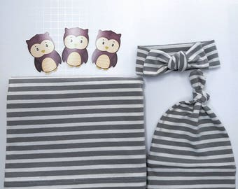 Newborn swaddle set / Gender neutral blanket / Receiving blanket set / Gift for baby / Cotton stretchy swaddler/ Gray and cream stripes