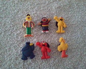Lot 6 jibbitz Elmo (badges for fangs)