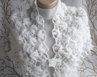 On sale White Bridal Shawl Wedding Shawpl Bridal Shrug Bridal Bolero Crochet lace Shawl Cover Up Queen gift Neckwarmer Mothers day gift