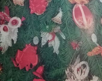 Vintage Christmas Wrapping Paper  ~ scrap booking paper ~ decoupage paper ~ decorative paper ~ Ornaments on a Xmas tree design