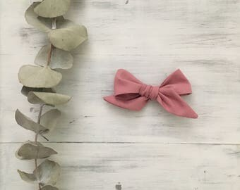 classic bow in rose