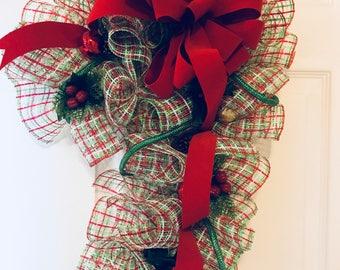 Plaid Candy Cane Wreath, Christmas Wreath, Holiday Wreath, Winter Wreath, Candy Cane Wreath