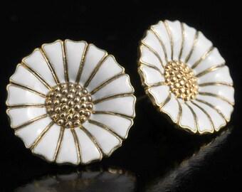 Anton Michelsen (later Georg Jensen) - Vintage pair of Daisy Ear Stickers in Sterling silver