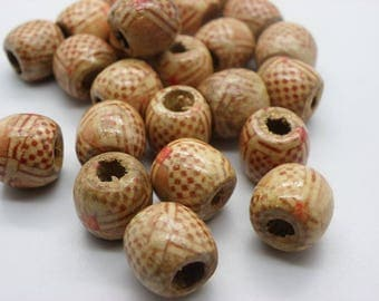 24 round wooden beads with 12 mm hole 4 mm Burgundy beige pattern