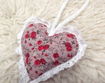 Accessory to hang, heart, baby, child, in cotton fabric, red and beige, lace