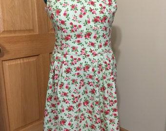 Women's Sleeveless Dress Size 14