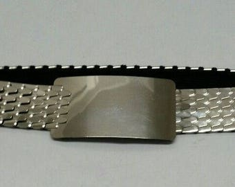 VINTAGE Women's Elastic DISC BELT Silver Retro 80's Stretch Scales Modern Shiny