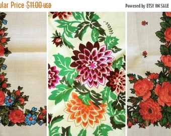 ON SALE Vintage woolen shawl Woolen scarf with floral pattern #92 - set of 3