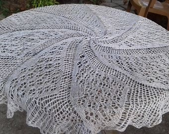 Antique vtg. Handmade Knitted Round Linen Lace Tablecloth 120cm