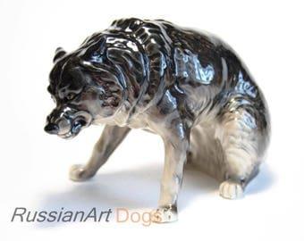Wild wolf porcelain figurine,  statue
