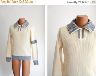 """Summer Clearance 1970s Collegiate Cream and Blue Striped Sweater - 40"""" Chest"""