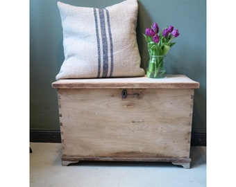 Vintage Chest in light wood