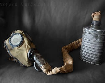 Spanish Civil War gas mask CMP 747 / rare /