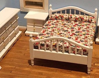 Dollhouse Bedroom Set 1:12 Scale White Bed Dresser Side Table