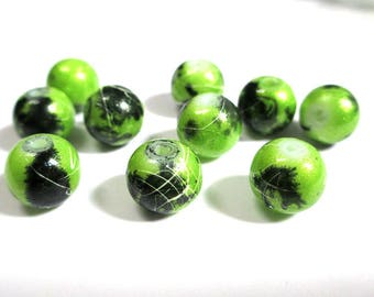 10 bright green speckled and wire 10mm beads (S-25)