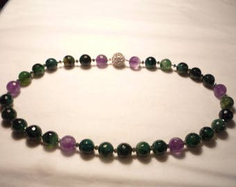 Necklace, Bead necklace, Amethyst necklace, Green necklace, Suffergette,