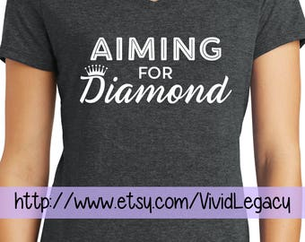 Aiming for Diamond - Essential Oil Goal V-neck T-Shirt Royal Crown Ladies Womens
