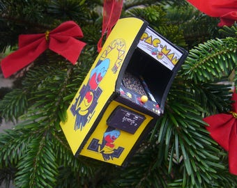 PAC MAN   Christmas Ornament Miniature arcade machine scale model