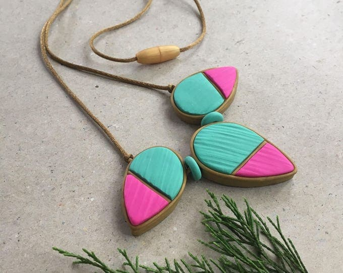 DELUXE JUNO BEAD Necklace// Geometric asymmetrical color blocked teal and fuchsia necklace