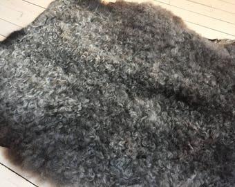 Supersoft sheepskin rug beautiful Norwegian pelt short haired sheep skin curly grey throw 18000