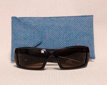 Donegal tweed wider glasses/spectacles/sunglasses case in blue & pink herringbone