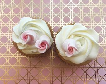 12 Small Fondant Rose Buds Gumpaste Roses Sugar Roses Edible Roses Edible Flowers Icing Flowers