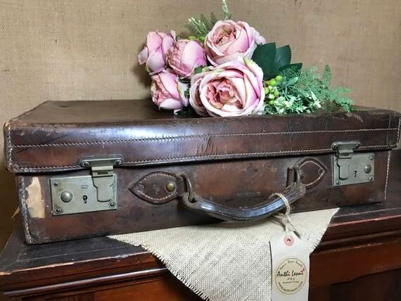 BROWN LEATHER Vintage Case - Vintage Brown Leather Suitcase - Vintage Luggage - Vintage Home Decor - Antique Cases - Photo Props