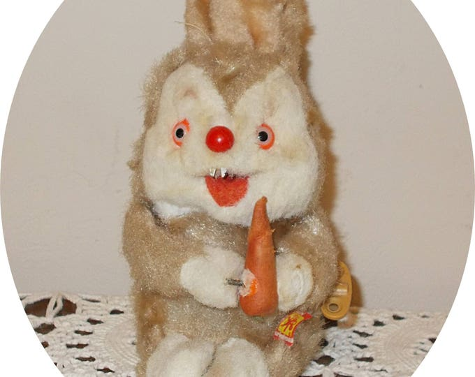 Vintage 50s German Carl Carrot Eating Mr Rabbit Creepy Orange Eyes Mechanical Wind Up Toy Made In Germany
