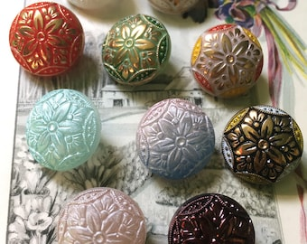 10 old collector / glass buttons - a large collection of series - heart pattern (009)