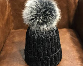 Black Beanies Snow Gray Fox Furry Balls Hats Pompoms Handcraft Winter Soft Hats Fashion Women hats Genuine Fuzzy Puffs Beanies Bling Cotton