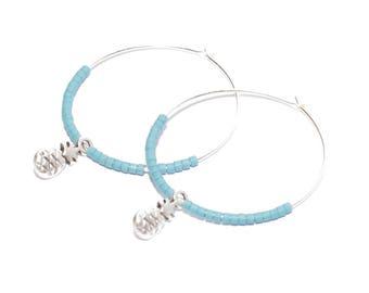 Créoles perles miyuki bleu jean et breloques ananas