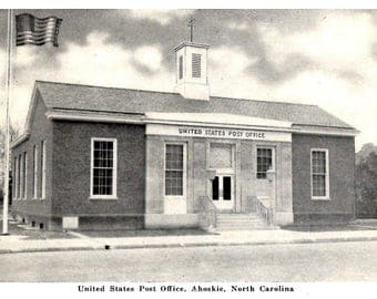 Ahoskie, North Carolina - Black and White view of the United States Post Office - Vintage Postcard