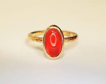 Ring 18 kt fire opal
