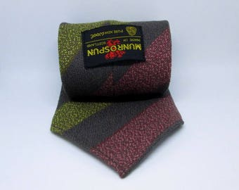 Vintage Munrospun Pure New Wool Tartan Striped Mens Tie Necktie Made in Scotland Used Condition Worldwide Shipping