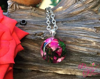Pendent Rose & Moss-resin-Handmade/Ciondolo rose and musk-resin and real flowers-hand made