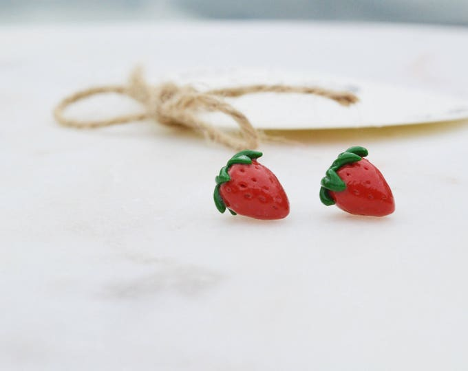 Handmade mini strawberry earrings, Summer party jewelry, Hypoallergenic jewelry, Miniatures, Cute gift for daugter, Hypoallergenic earrings