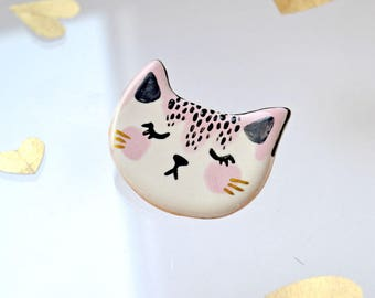 Beautiful Cat Brooch, Cat Lady Gift, Ceramic Cat Pin, Cat Jewelry, Unique Cat Lover Gift, Cat Lover , Cat Pin, Tiny Ceramic Animal, Tiny Art
