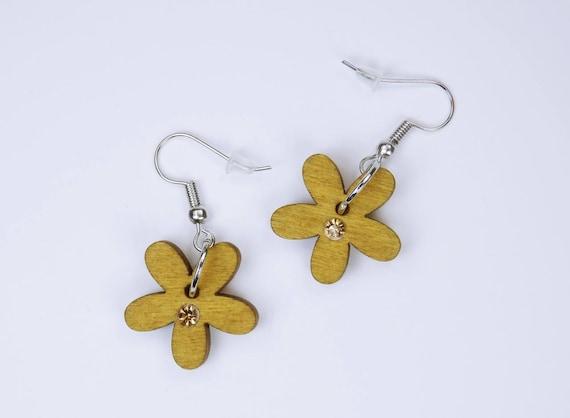Earrings flowers in yellow with yellow rhinestones on silver-colored earrings pendant earrings Jewelry Oktoberfest wood Flower Frühlungsschmuck