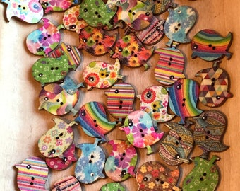 30mm buttons Cute Wooden Bird Buttons, Mixed Pattern, 30x25 mm 2-hole, Novelty buttons, sewing, crafts, knitting