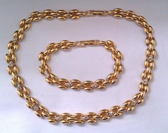 Napier necklace and bracelet