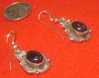 P-22  Vintage Earrings sterling silver 925 black onyx stone