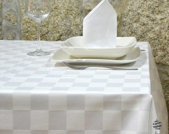 Luxury White Chess Tablecloth - Anti Stain Proof Resistant - Rectangle - Large sizes