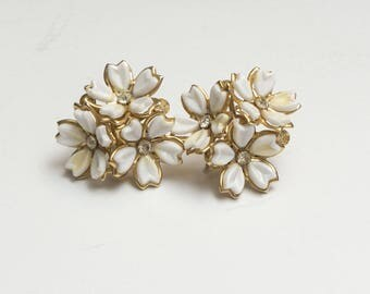 White Lucite and Rhinestone Flower Cluster Screwback Earrings